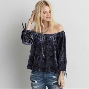 🆕 NWT - AEO Velvet Off-Shoulder Top